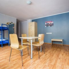 Отель a&o Düsseldorf Hauptbahnhof комната для гостей фото 4