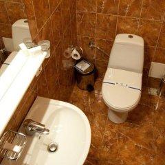 Гостиница Ева Отель Украина, Донецк - отзывы, цены и фото номеров - забронировать гостиницу Ева Отель онлайн ванная