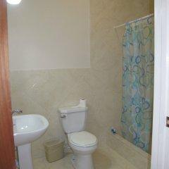 Отель Jack Sprat Shack Ямайка, Треже-Бич - отзывы, цены и фото номеров - забронировать отель Jack Sprat Shack онлайн ванная фото 2