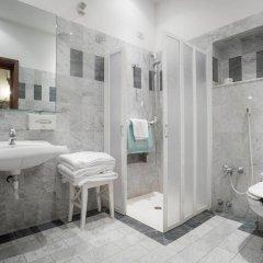 Отель Palazzo dal Borgo Италия, Флоренция - 1 отзыв об отеле, цены и фото номеров - забронировать отель Palazzo dal Borgo онлайн ванная фото 2