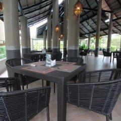 Отель Maikhao Palm Beach Resort питание