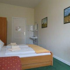 Отель Pension Fischer am Kudamm Германия, Берлин - отзывы, цены и фото номеров - забронировать отель Pension Fischer am Kudamm онлайн комната для гостей фото 2