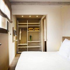 Отель Milà Apartamentos Barcelona сейф в номере