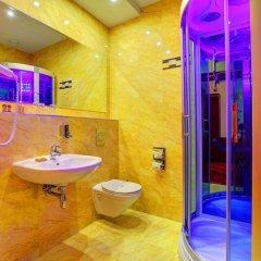 Отель Holiday Park Польша, Варшава - 5 отзывов об отеле, цены и фото номеров - забронировать отель Holiday Park онлайн ванная