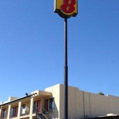 Отель Super 8 Barstow парковка