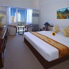 Golden Holiday Hotel комната для гостей