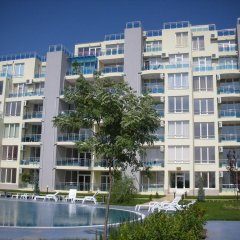 Апартаменты Apartments in Oasis Complex Равда вид на фасад
