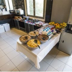 Отель Safestay Passeig de Gracia питание фото 3