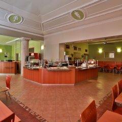 Отель Atlantic Hotel Чехия, Прага - 11 отзывов об отеле, цены и фото номеров - забронировать отель Atlantic Hotel онлайн питание фото 3