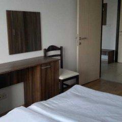 Апартаменты Persey Admiral Plaza Apartments Солнечный берег комната для гостей фото 3