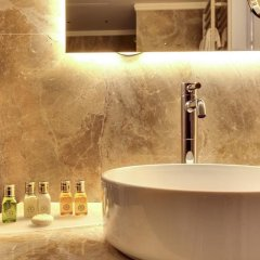 Отель Dona Palace Италия, Венеция - 2 отзыва об отеле, цены и фото номеров - забронировать отель Dona Palace онлайн ванная фото 2
