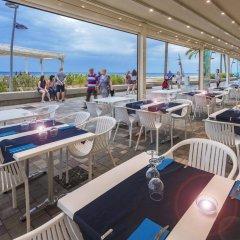 Отель 4R Miramar Calafell гостиничный бар фото 2