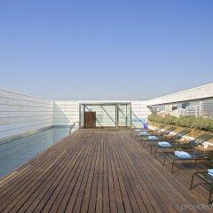 Отель NH Collection Barcelona Constanza Испания, Барселона - 8 отзывов об отеле, цены и фото номеров - забронировать отель NH Collection Barcelona Constanza онлайн бассейн фото 3