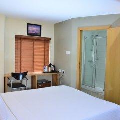 Отель Adis Hotels Ibadan Нигерия, Ибадан - отзывы, цены и фото номеров - забронировать отель Adis Hotels Ibadan онлайн удобства в номере