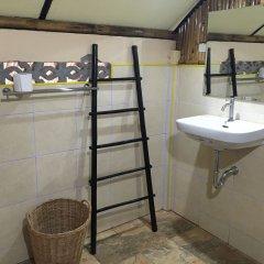 Отель Long Beach Chalet Таиланд, Ланта - отзывы, цены и фото номеров - забронировать отель Long Beach Chalet онлайн ванная