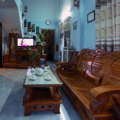 Отель Plum Tree Homestay Вьетнам, Хойан - отзывы, цены и фото номеров - забронировать отель Plum Tree Homestay онлайн интерьер отеля