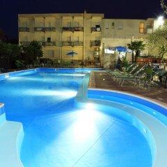 Отель Ben Hur Римини бассейн фото 2