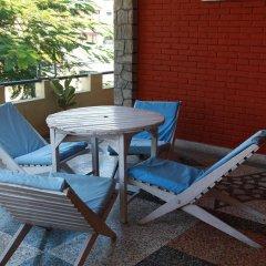Отель Fairmount Hotel Непал, Покхара - отзывы, цены и фото номеров - забронировать отель Fairmount Hotel онлайн балкон