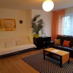 Отель Ferienwohnung Германия, Нюрнберг - отзывы, цены и фото номеров - забронировать отель Ferienwohnung онлайн комната для гостей фото 4
