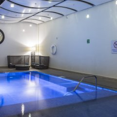 Отель Holiday Inn Express Guadalajara Autonoma бассейн