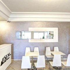 Отель Residence Divina Италия, Римини - отзывы, цены и фото номеров - забронировать отель Residence Divina онлайн гостиничный бар