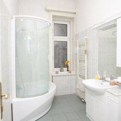 Отель Your sunny, central and quiet home Австрия, Вена - отзывы, цены и фото номеров - забронировать отель Your sunny, central and quiet home онлайн ванная фото 2