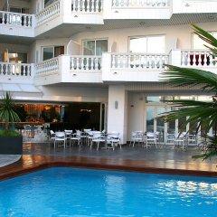 Отель Bernat II Испания, Калелья - 3 отзыва об отеле, цены и фото номеров - забронировать отель Bernat II онлайн бассейн фото 3