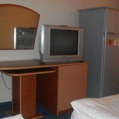 Отель Amigos - Full Board Болгария, Аврен - отзывы, цены и фото номеров - забронировать отель Amigos - Full Board онлайн удобства в номере фото 2