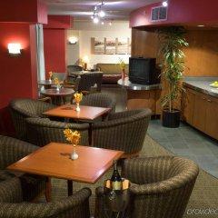 Отель Delta Hotels by Marriott Vancouver Downtown Suites Канада, Ванкувер - отзывы, цены и фото номеров - забронировать отель Delta Hotels by Marriott Vancouver Downtown Suites онлайн питание