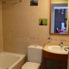 Отель WIFI Pirineo Suites Formigal Ordesa Испания, Сабиньяниго - отзывы, цены и фото номеров - забронировать отель WIFI Pirineo Suites Formigal Ordesa онлайн ванная фото 2