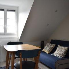 Отель Cosy Renovated 1 Bedroom Apartment in 10th Франция, Париж - отзывы, цены и фото номеров - забронировать отель Cosy Renovated 1 Bedroom Apartment in 10th онлайн комната для гостей фото 5