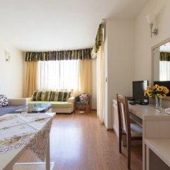 Апартаменты Quiet One Bedroom Apartment with Balcony комната для гостей фото 4