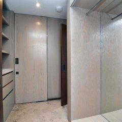 Апартаменты Hans Crescent Apartment Лондон сейф в номере