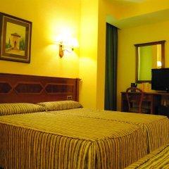 Отель Reina Cristina комната для гостей фото 3