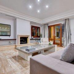 Отель Arabella - Villa con piscina Испания, Пальма-де-Майорка - отзывы, цены и фото номеров - забронировать отель Arabella - Villa con piscina онлайн комната для гостей фото 5
