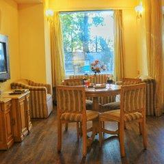 Отель Dee Marks Hotel & Resorts Индия, Нью-Дели - отзывы, цены и фото номеров - забронировать отель Dee Marks Hotel & Resorts онлайн в номере