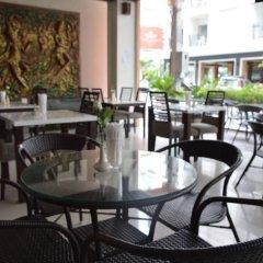 Отель Sharaya Residence Patong питание
