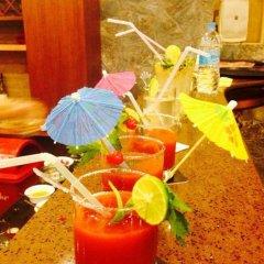 Отель Hilltake Wellness Resort and Spa Непал, Бхактапур - отзывы, цены и фото номеров - забронировать отель Hilltake Wellness Resort and Spa онлайн гостиничный бар