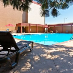 Отель Quality Inn & Suites Denver Stapleton бассейн фото 3