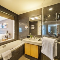 Отель Somerset Garden City Shenzhen Hotel Китай, Шэньчжэнь - отзывы, цены и фото номеров - забронировать отель Somerset Garden City Shenzhen Hotel онлайн ванная
