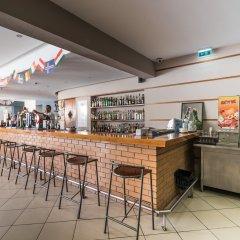 Отель Clube VilaRosa гостиничный бар