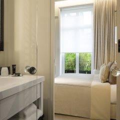 Отель Le Narcisse Blanc & Spa Франция, Париж - 1 отзыв об отеле, цены и фото номеров - забронировать отель Le Narcisse Blanc & Spa онлайн ванная фото 3