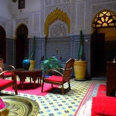 Отель Riad A La Belle Etoile интерьер отеля