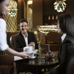 Отель Hili Rayhaan By Rotana ОАЭ, Эль-Айн - отзывы, цены и фото номеров - забронировать отель Hili Rayhaan By Rotana онлайн гостиничный бар