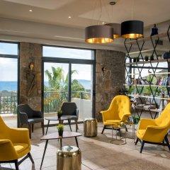Отель Happy Cretan Suites гостиничный бар