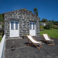 Отель Casas do Capelo бассейн