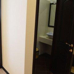 Гостиница Альпен Хаус (Геленджик) сейф в номере