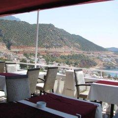Отель Moonlight Pension Калкан гостиничный бар