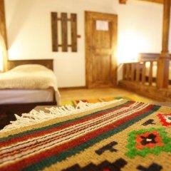 Отель Zlatna Oresha Guest House Болгария, Сливен - отзывы, цены и фото номеров - забронировать отель Zlatna Oresha Guest House онлайн комната для гостей фото 2