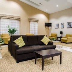 Отель Sleep Inn & Suites And Conference Center комната для гостей